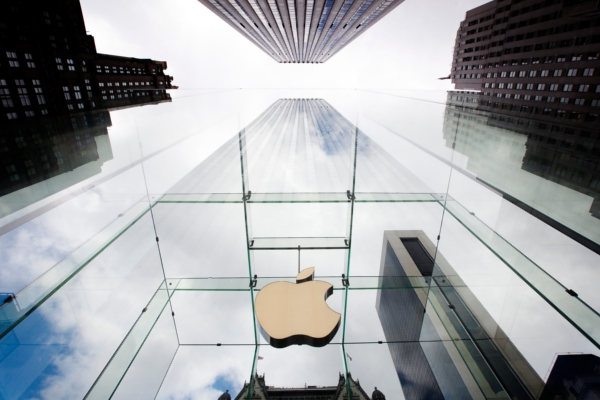 """Apple hires luxury goods exec for """"special projects"""""""