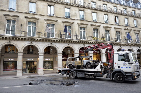 Thieves Ramrod Car Into Luxury Jewellers In Paris, Make Off With Loot Worth …
