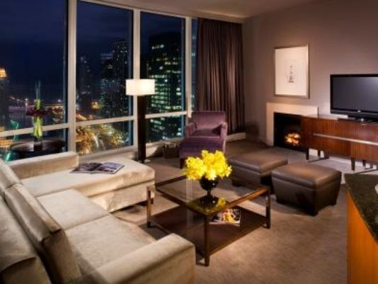 Business travelers opt for homes on the road