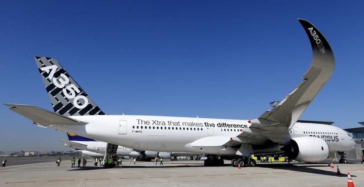 Airbus says still plans to deliver first A350 in fourth quarter