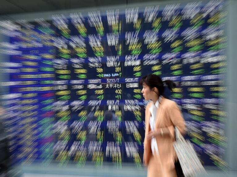 Asian markets sink further on global economy fears