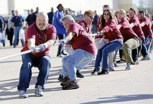 American Airlines employees drag 47-ton jet for United Way fundraiser