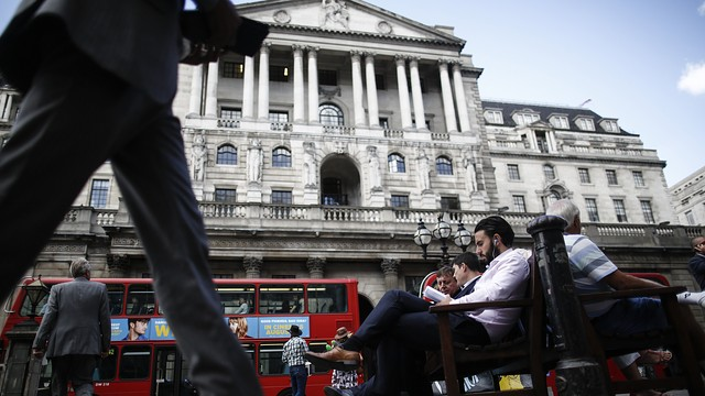 Bank of England keeps interest rates steady amid pessimism about global …