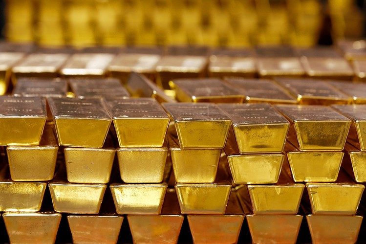 What to Think When Platinum Prices Go Lower Than Gold