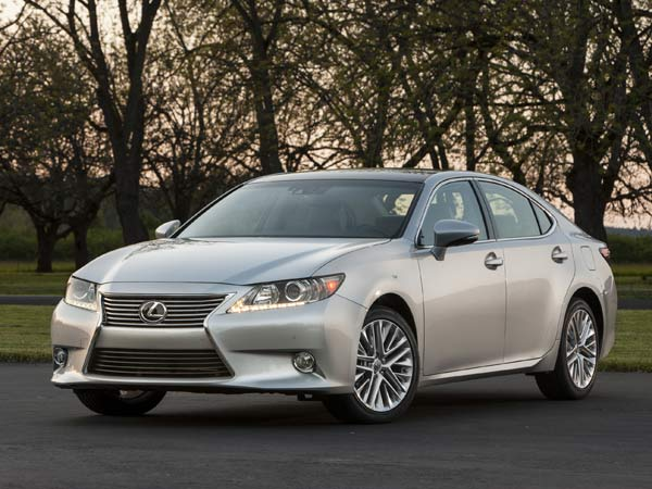 2014 Lincoln MKZ vs. 2014 Lexus ES 350: Which Is Better?