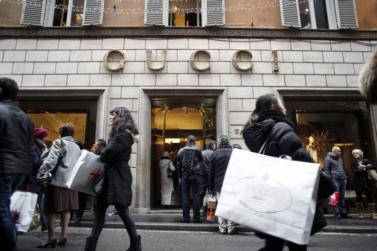 Gucci's Luster Fades in Tough Luxury Climate